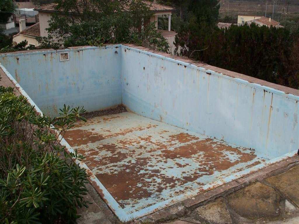 D gats fissure enduit friable peinture sur autres piscines for Enduit piscine beton